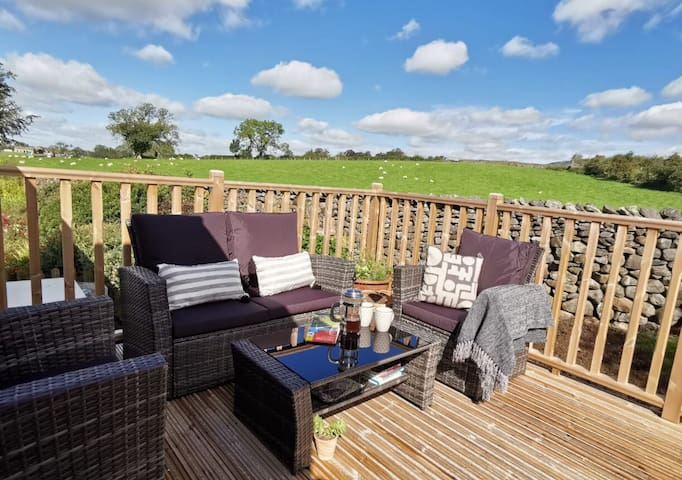 Bright, Modern, Stylish, Views  Yorkshire 3 Peaks