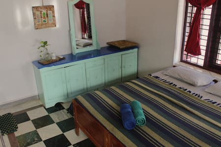 Cozy & Clean Room in Varkala Cliff