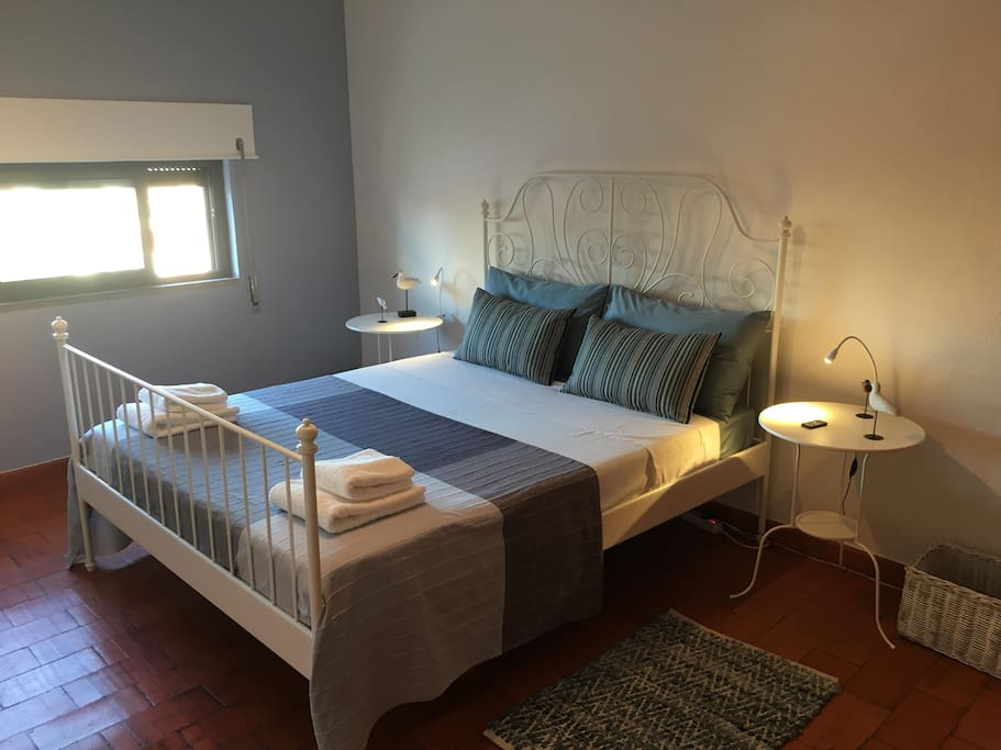 Comporta Suite - large bed with private bathroom