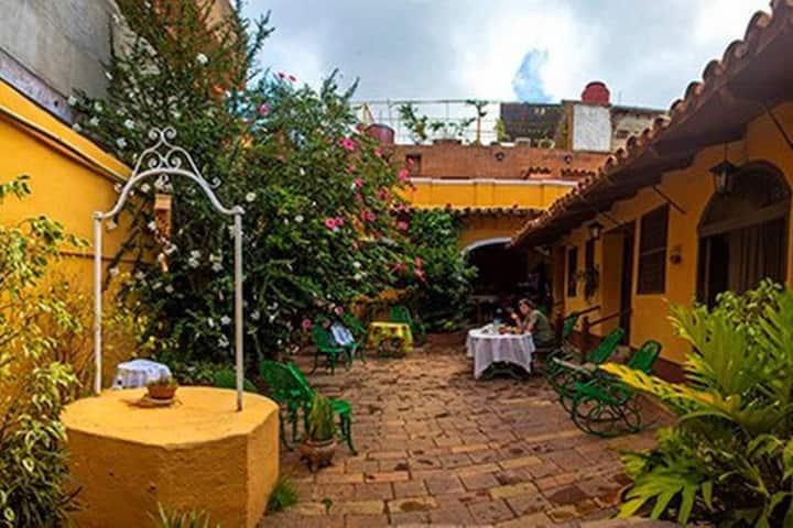 Hostal Casa Ayala - R1 (2p)