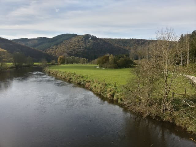 Great view, next to the river - Marcourt - Wikt i opierunek
