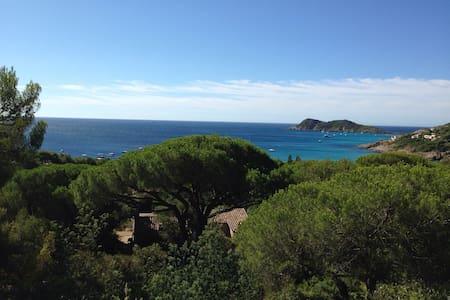 Cabanon à l'Escalet vue mer unique - Ramatuelle