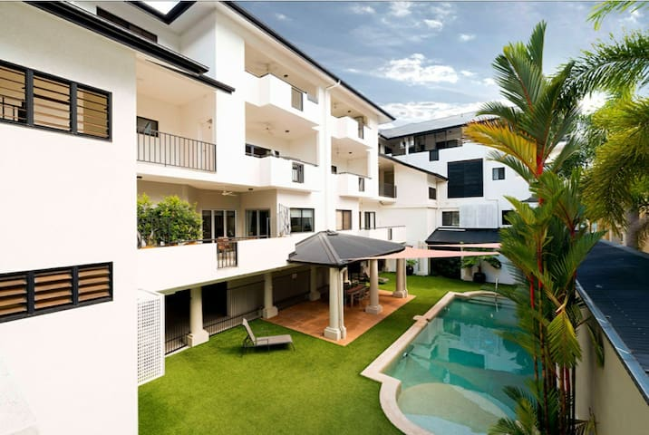 NEW !! ENSUITE PRIVATE ROOM IN CAIRNS INNER CITY