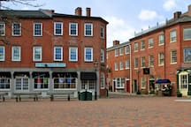 Meandering through Newburyport and explore all this city has to offer: fabulous for foodies, unique boutiques, and seafaring colonial history ...