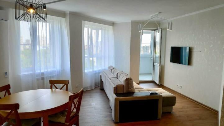 Просторная 3-х комнатная квартира в центре города!