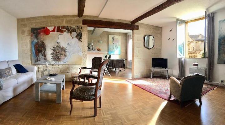 Appartement centre d'Uzes avec garage et ascenseur