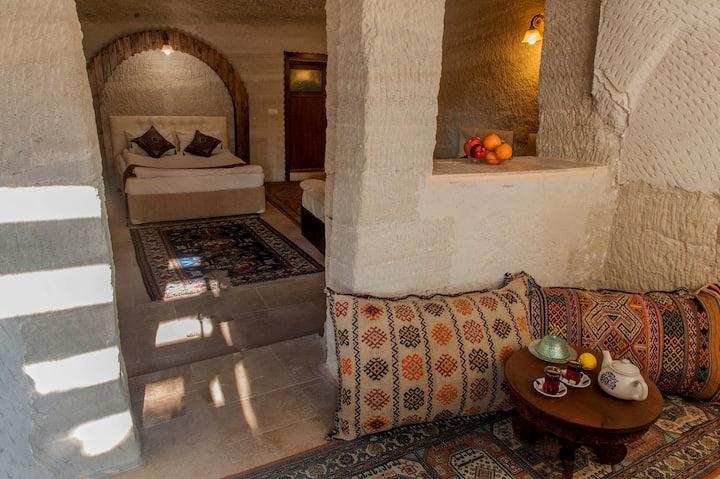 Garden cave hotel (Room 5)