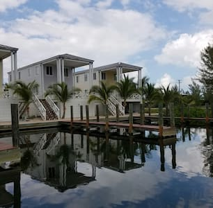 Bimini Bahamas vacation home 40 ft dock included - Port Royal