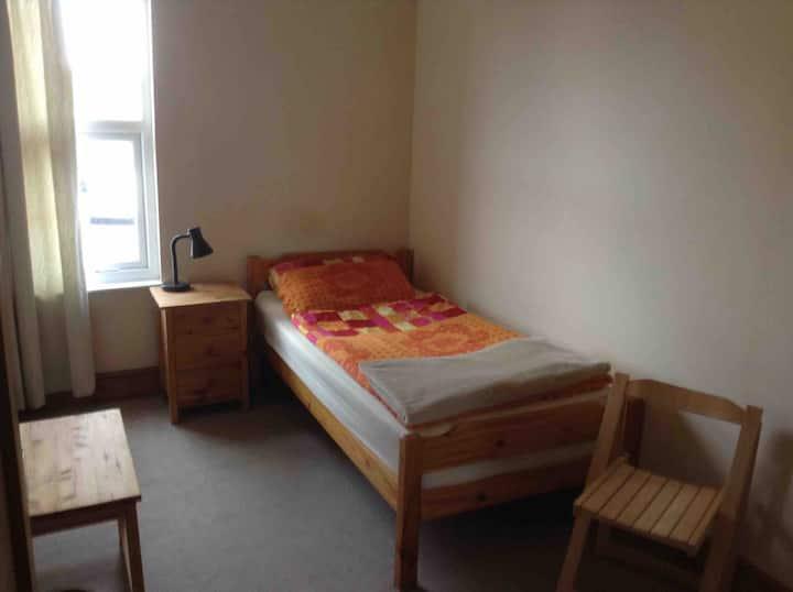 Cozy sgl room near city centre