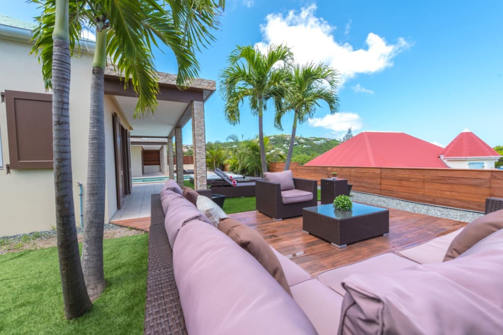 POOL & TERRACE Pool, Deck and lounge chairs, outdoor BBQ, Outdoor dining room with a table for 6 guests, Outdoor lounge.