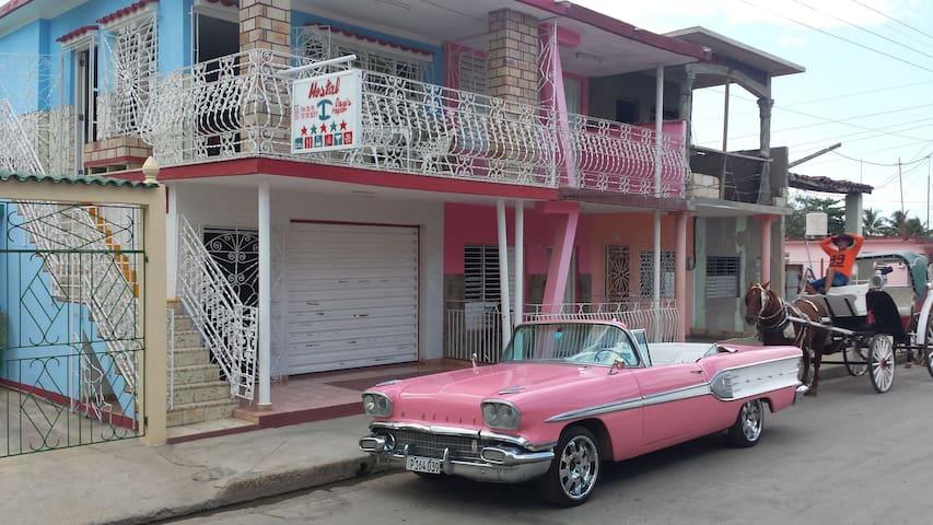 Papito's Hostal Casa Completa🌞🏖