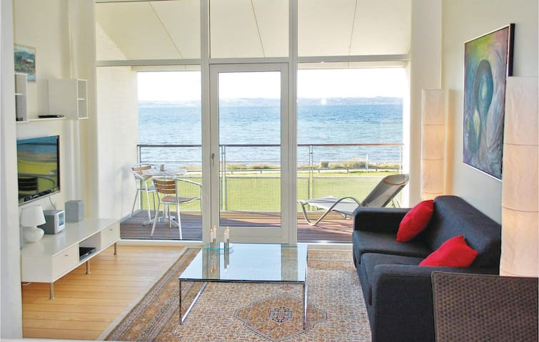 Holiday apartment with 2 bedrooms on 109m² in Ebeltoft