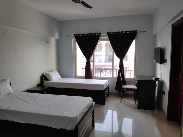 Ac deluxe Twin Room at Spanish Garden