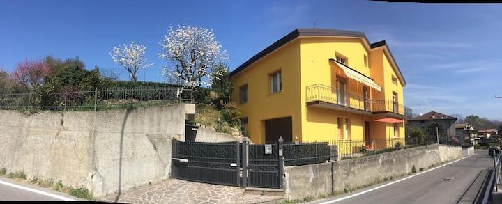Tramonti e Laghi- casa vacanze-Ferienwohnung-Iseo.