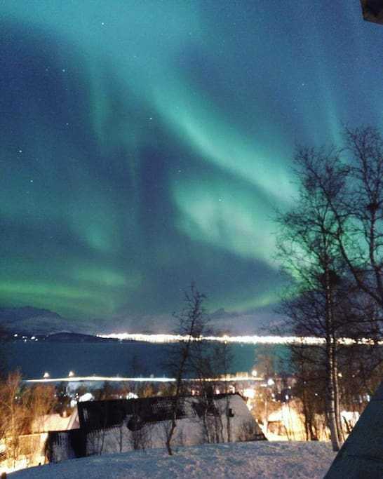 Aurora view from my balcony !! Photo by P. Oramas