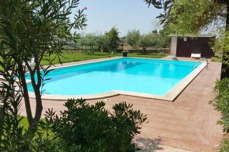Fantastica Villa immersa nel verde con piscina - Noto - Villa