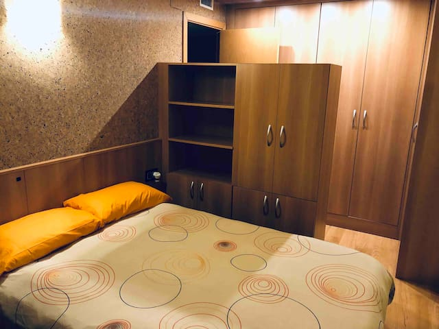 Room of 25 m2 at 40 meters from de train station