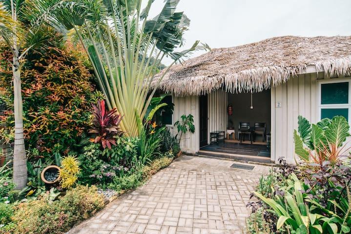 Garden Cabins #8 Queen or Singles @ Bambü Getaway