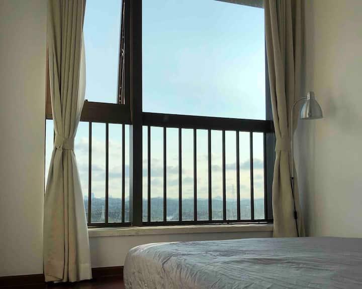 [20年新房]4号线红山/龙光玖钻平价舒适风景出色的明亮卧室B(高楼层/20年新房)