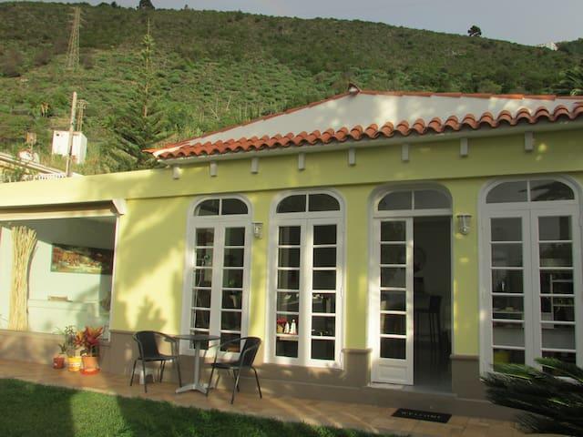 Wohnen im Humboldt-Garten - La Orotava - Bungalou