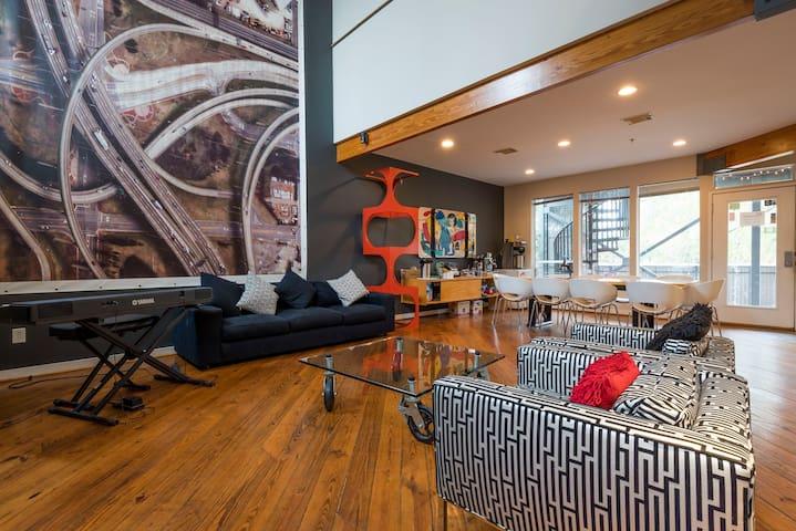 Modern Bed and Breakfast - Mod 3 Room Near Menil - Houston - Bed & Breakfast