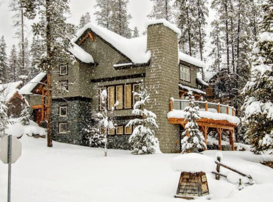 Property Exterior Winter
