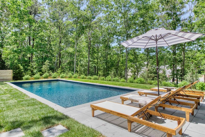 East Hampton Village Fringe Escape W/ heated Pool