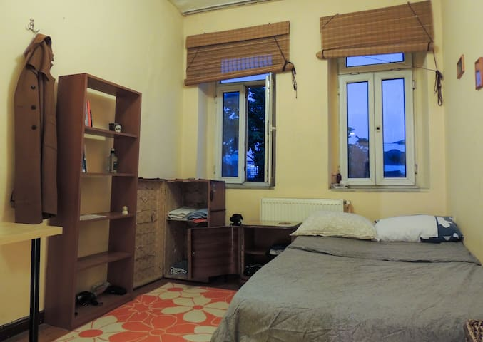 Nice room with a view in Taksim