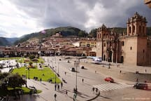 Breathtaking Plaza de Armas. Let us show you around!