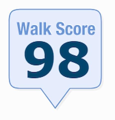 Great neighborhood - earns us a 98 Walk Score!