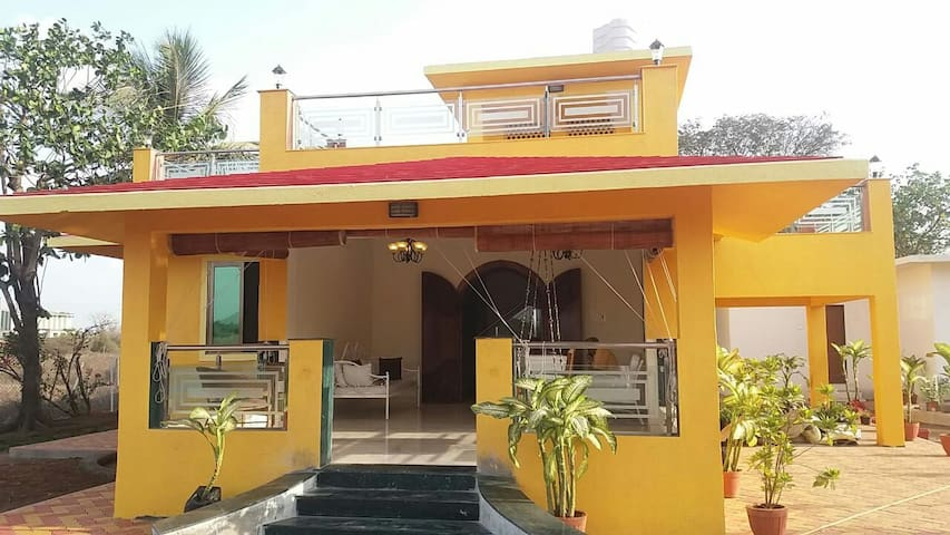 Kihim beach bungalow
