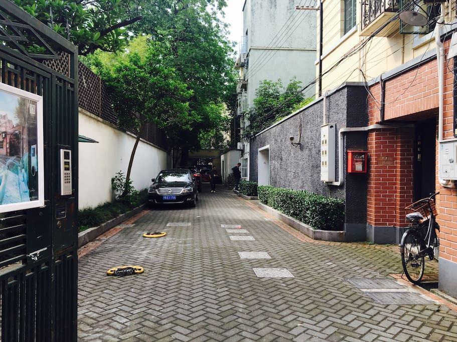 干净的小巷
