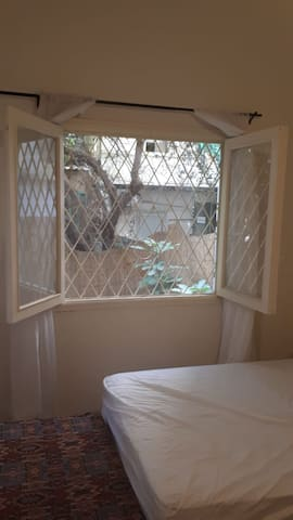 Small Apartment with a private garden - Achrafieh