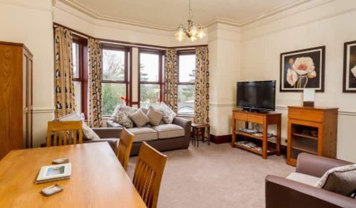 Waddow Apartment, Shireburne Park, Great location