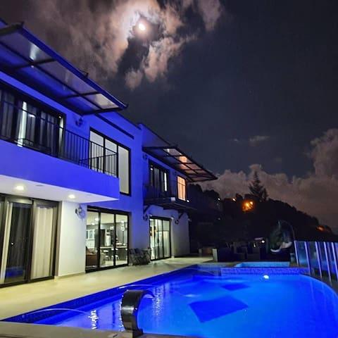 Luxury Villa 3Diamantes only 20 min from medellin