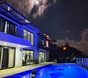 Luxury Villa 3Diamantes only 20 min from medellin