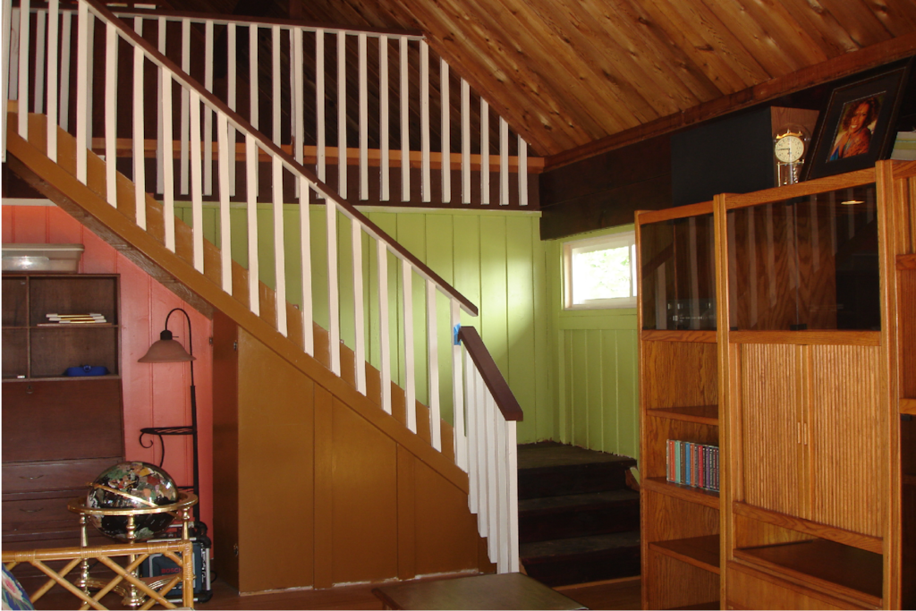 There is a loft bedroom up the stairs with its own bathroom, and 2 queen beds