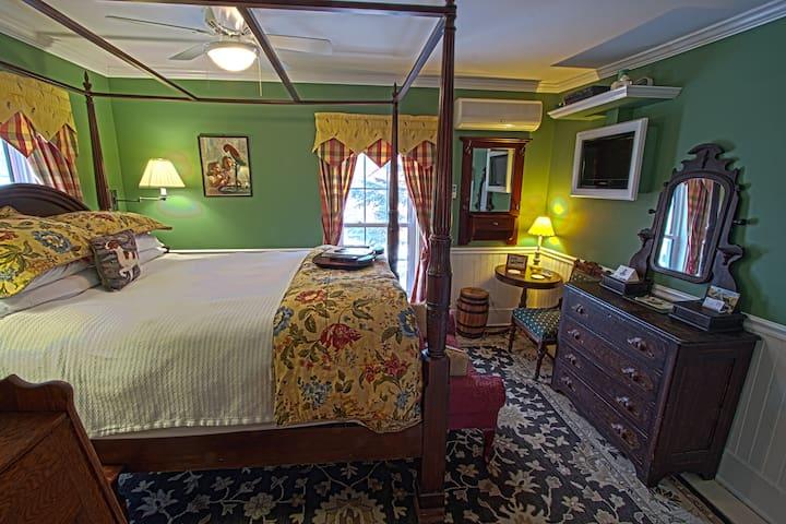 REAL B&B! Jay Peak 1BR Green Room - Montgomery - Bed & Breakfast