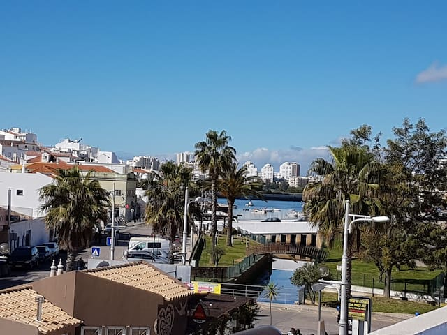 Beautiful 2 Bed appt in Ferragudo with great views - Ferragudo - Apartamento