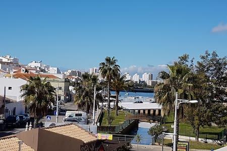 Beautiful 2 Bed appt in Ferragudo with great views - Ferragudo - Lägenhet
