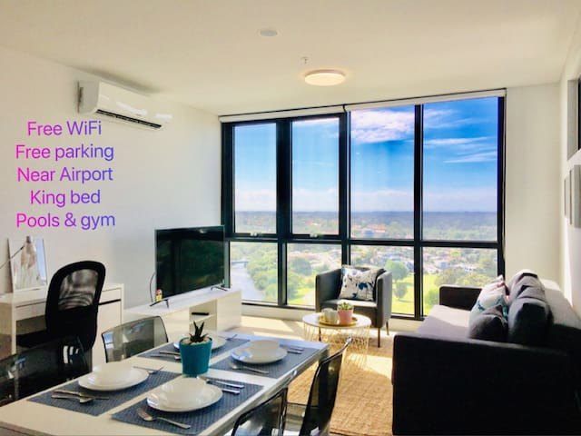 ★SYD Airport 2 Min+180° View+King Bed+Parking+Pool