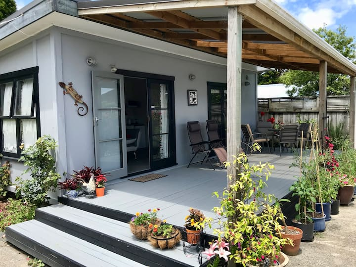 Separate, sunny and self-contained guest house