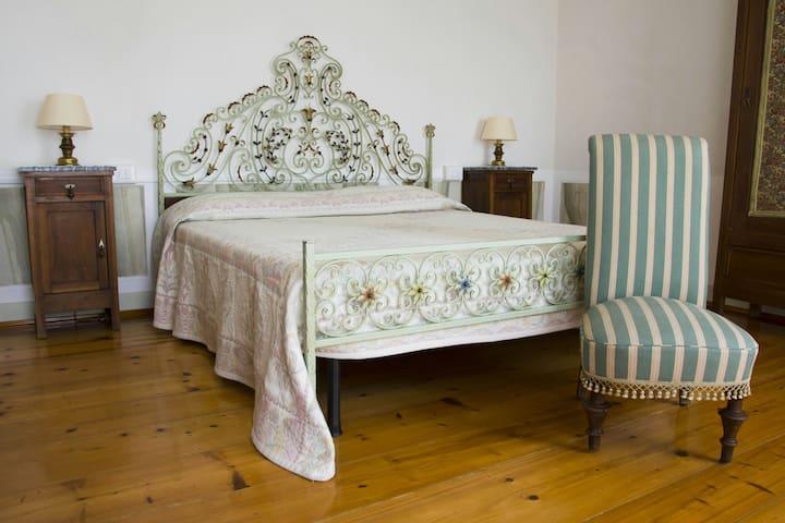 Casa Garibaldi ,storia e relax nel cuore del paese