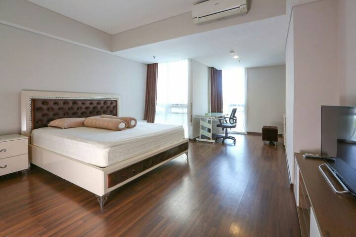 Trillium Luxury Apartment, Spacious in Surabaya