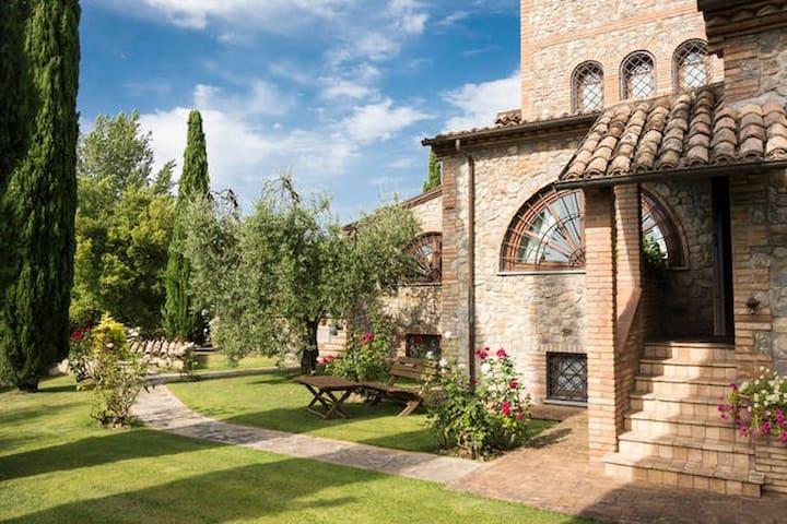 splendida Villa tra umbria e toscana - Città della Pieve - House