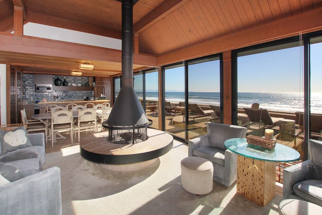 Sweeping ocean views in the open living, dining and kitchen area. Connect to complimentary Wi-Fi while you unwind.