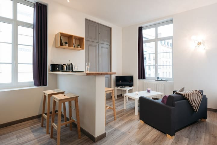 MODERN & EQUIPPED APARTMENT - 7th ARRONDISSEMENT