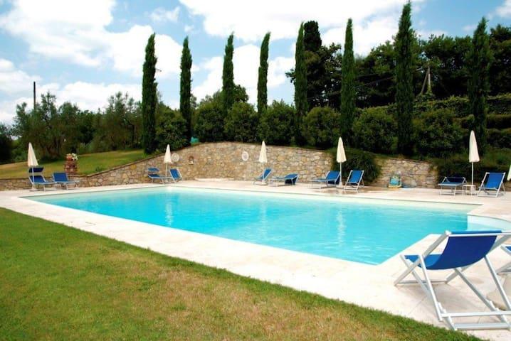 Il Cassero - Tower, sleeps 2 guests in Lucignano - Lucignano - Apartamento