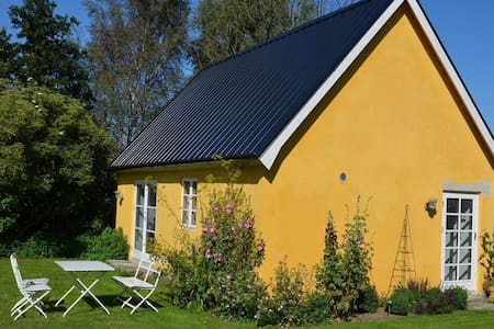 Well equipped cottage in Sweden's Provence - Simrishamn - Dům