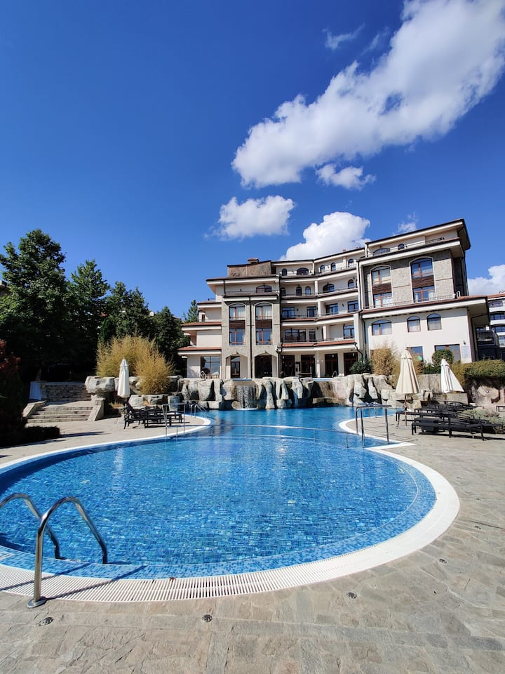 Sunny Beach Bulgaria Apartment - Poolside